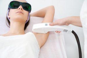 استفاده از آی پی ال برای از بین بردن موهای زائد