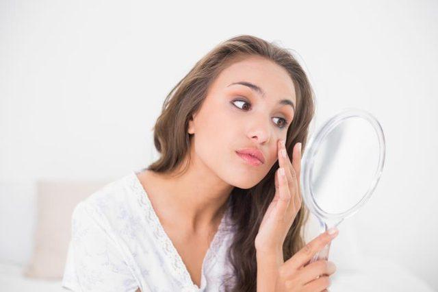 تمیز کردن پوست به جلوگیری از آکنه کمک می کند