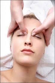 ازجمله روش های تحریک الاستین پوست می توان به طب سوزنی فیس لیفت، فشار درمانی و روشهایی مبتنی بر جریان خفیف الکتریسیته اشاره کرد