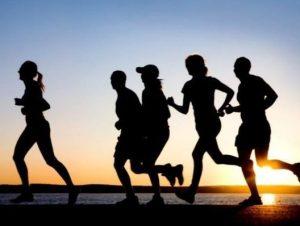 داشتن تحرک بدنی و ورزش برای رفع چربی زیر پوست و سلولیت و لاغری موضعی بدن