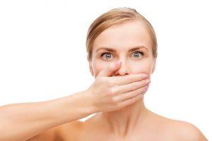 درمان بوی بد دهان با مشکلات بیماری لثه و دندان