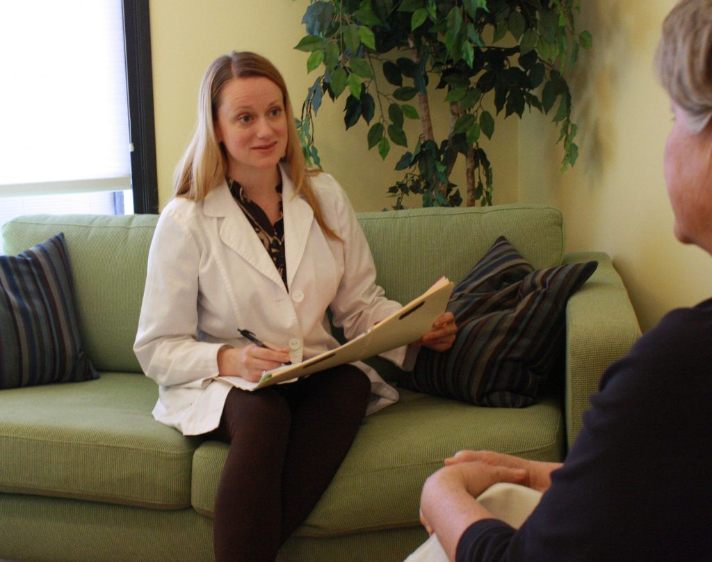 مشاوره با متخصص طب سوزنی
