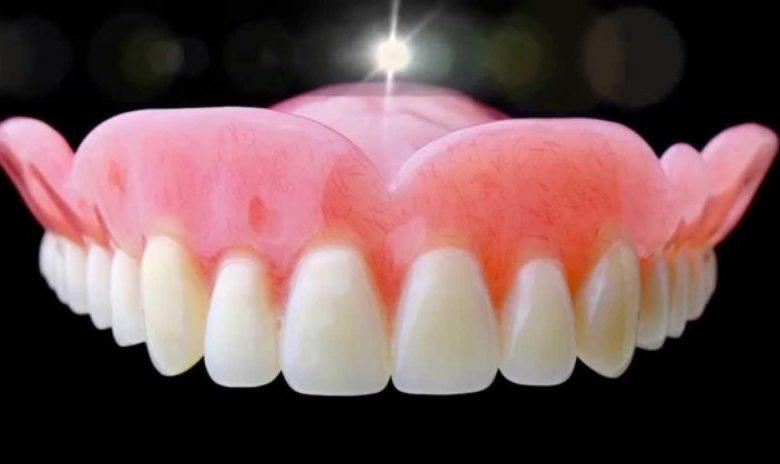 درباره دندان مصنوعی و رفع لقی آن با ایمپلنت دندان