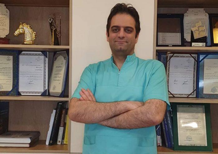 دکتر مسعود گل شاه در کلینیک دندانپزشکی بلانش